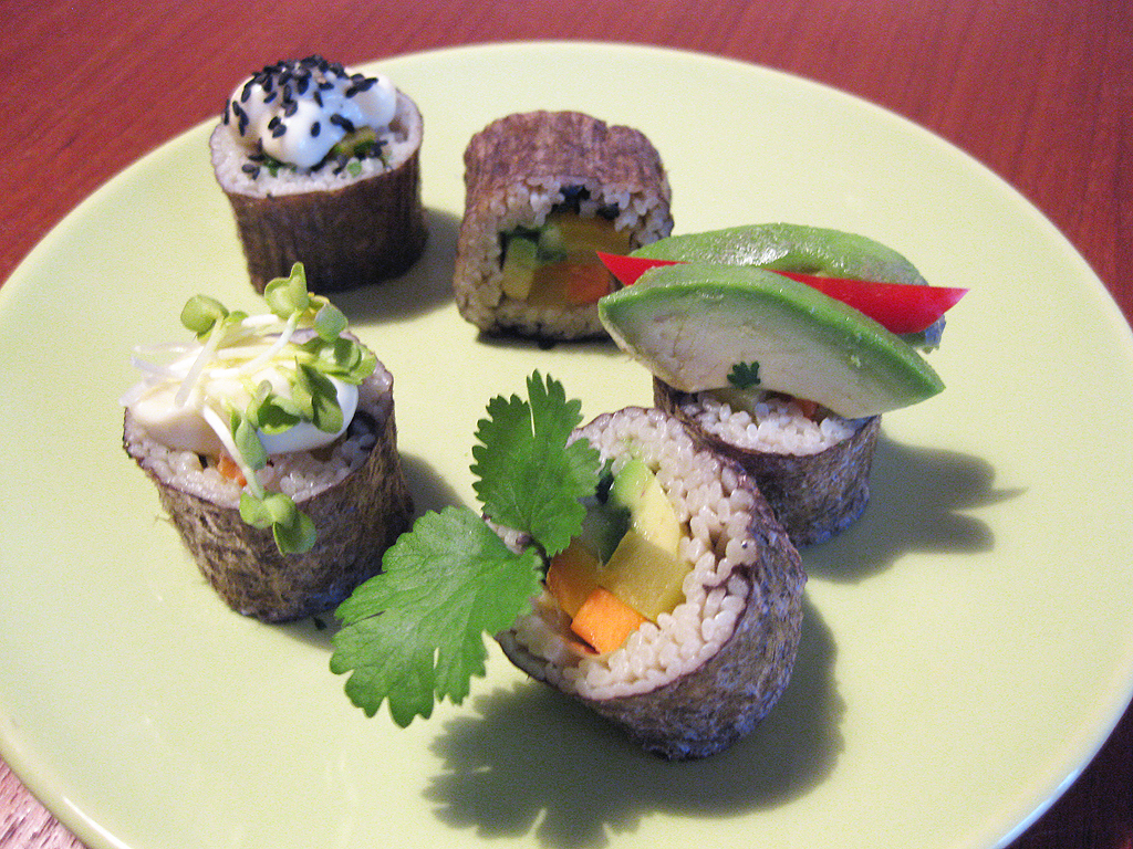 Recept: Sushi van TerraSana Brown Rice & Wakame Noodles
