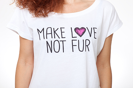 t-shirt-make-love-not-fur-2