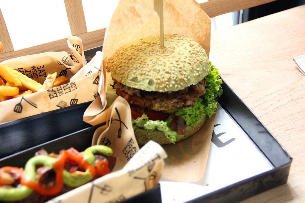 dutchweedburgerjoint11