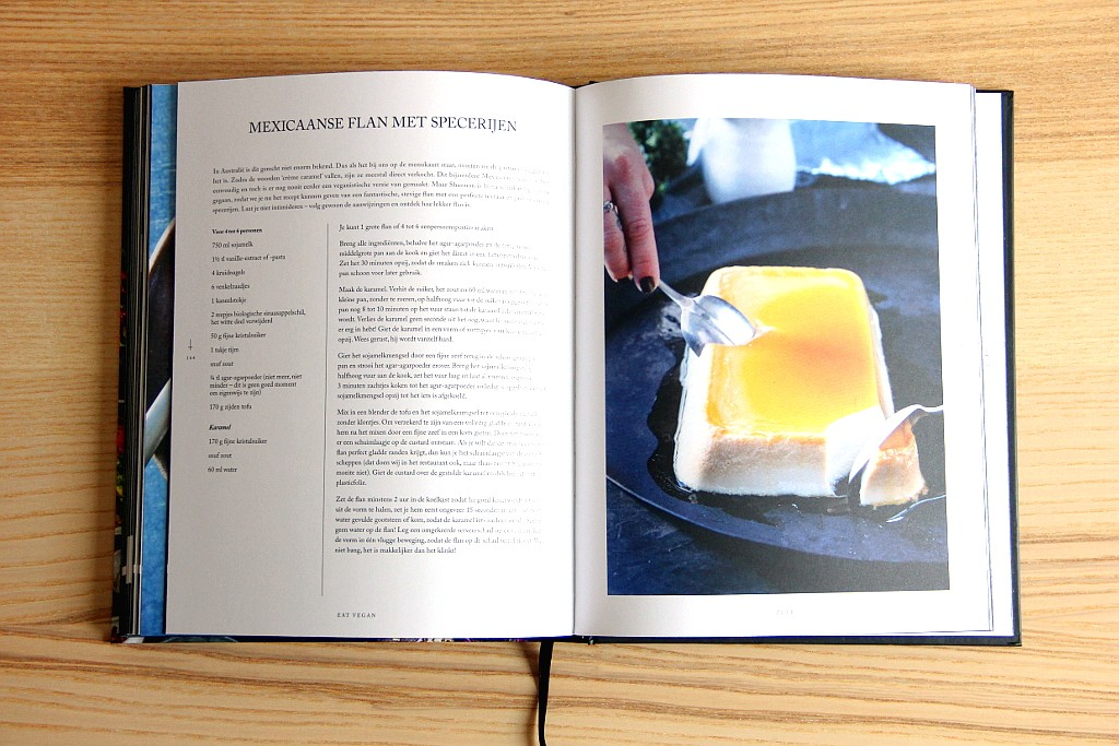 Eat Vegan, het boek van de koks achter het Australische restaurant Smiths & Daughters. Een eigenwijs en verrassend kookboek originele, toevallig volledig veganistische recepten. Lees de volledige boekrecensie op Lauriekoek.nl!