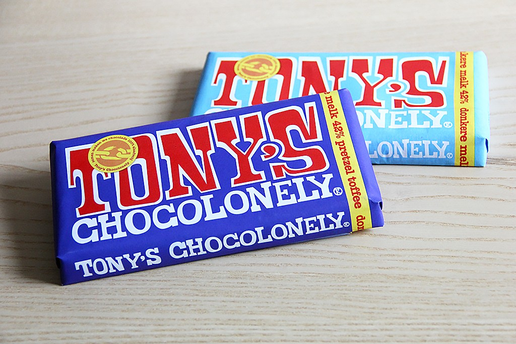 Tony's Chocolonely donkere melkchocolade @ Lauriekoek.nl