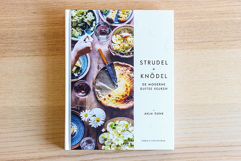 Boekrecensie: Strudel + Knödel @ Lauriekoek.nl