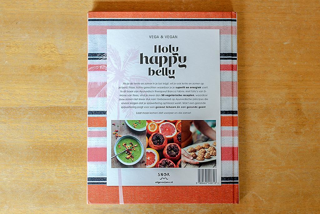 Boekrecensie: Holy Happy Belly @ Lauriekoek.nl