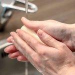Help mijn handen vallen er af! Eerste hulp bij handen wassen