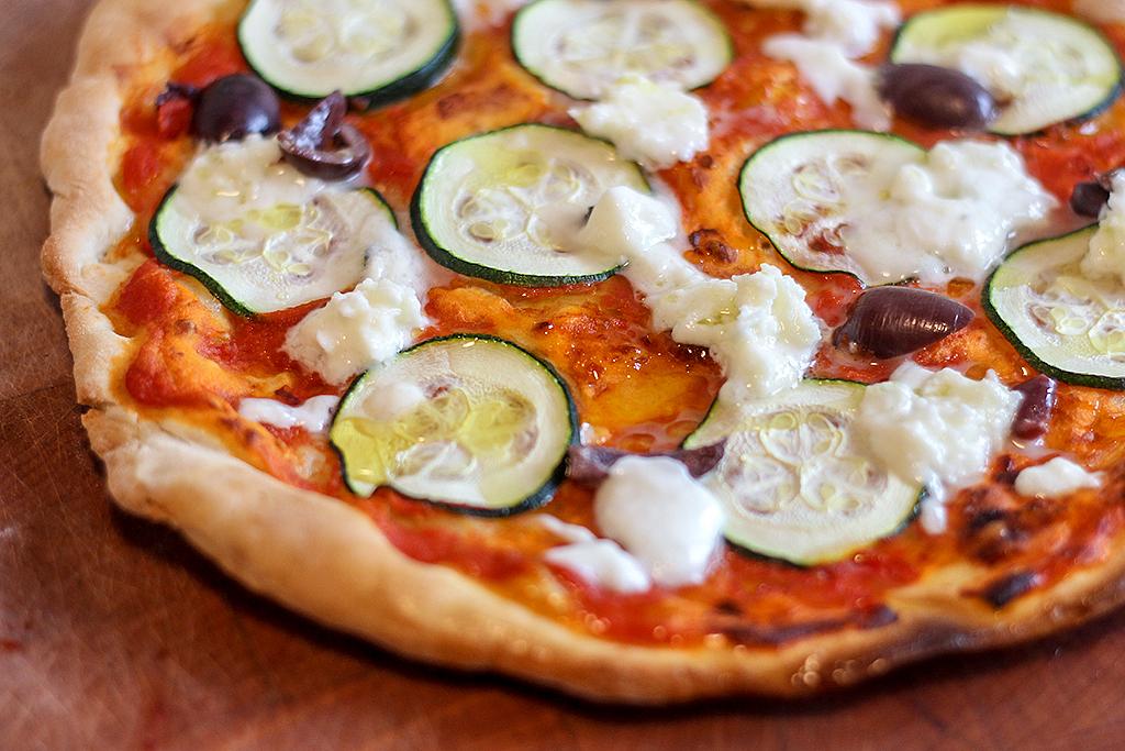 Recept: Pizza uit de koekenpan @ Lauriekoek.nl