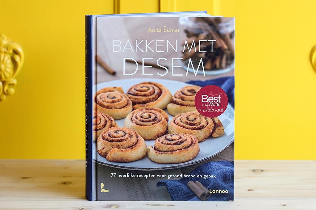 Boekrecensie: Bakken met desem @ Lauriekoek.nl
